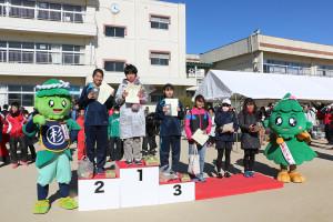 第35回杉戸町新春マラソン大会表彰式⑦_s
